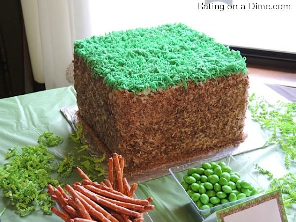 Learn how easy it is to make this minecraft birthday grass cake