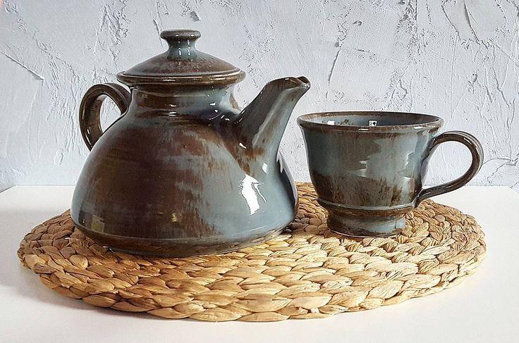 """37 kedvelés, 3 hozzászólás – Ceramiss Ceramic (@ceramiss) Instagram-hozzászólása: """"Kis teázó szett / Tea set Az új kedvenc forma egy egyszerű szürke-barna mázzal, aminek annyira…"""""""