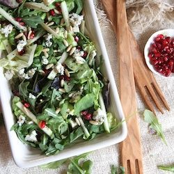 fresh salad with apples, gorgonzola and pomegranate seeds plus a how ...