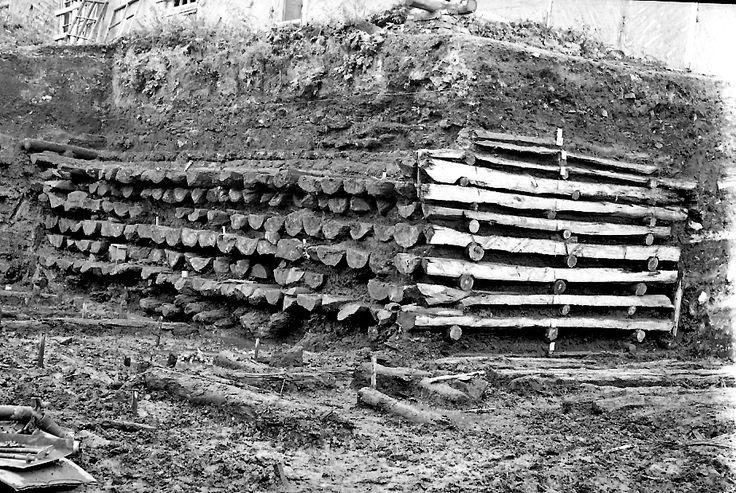 st_pit 20-25 лет назад деревянные мостки настилали в республике Коми, я сам тогда работал в бригаде. И до момент как я это делал, это делали ежегодно. Конкретно в той…