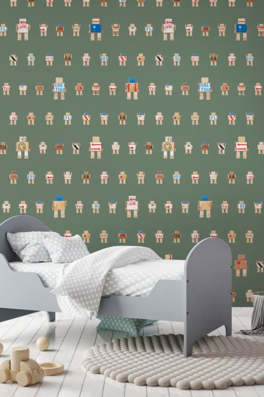 Behang Rijkswachters klein groen Deze stoere robots zijn gemaakt van de houten transportkisten waar de kunstschatten van het Rijksmuseum in hebben gezeten tijdens de verbouwing. Dit stoere legergroene robot behang is erg leuk voor de babykamer of kinderkamer. 1 rol bestaat uit 2 behangbanen.  Premium Quality 165 grams Vliesbehang. Full color met supermatte uitstraling. Zeer eenvoudig direct op de muur aan te brengen.  Afmetingen: 97,4 x 280 cm (b x h), een rol bestaat uit twee banen van 48,7…