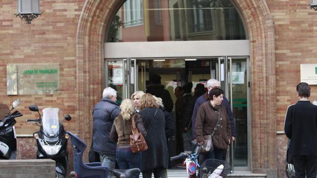 La letra pequeña de la reforma del impuesto de sucesiones en Andalucía vigente desde el 1 de enero http://sevilla.abc.es/andalucia/sevi-letra-pequena-reforma-impuesto-sucesiones-andalucia-vigente-desde-1-enero-201801040724_noticia.html