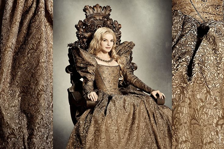 """Diseño de vestuario ambientado en el Renacimiento, creado por Pierre- Yves Gayraud para el personaje de la princesa (Yvonne Catterfeld) en """"La Bella y la Bestia"""" (la Belle et la Bête).2014."""