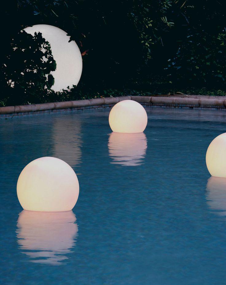 #Decoratieve verlichting voor in zwembad of vijver.