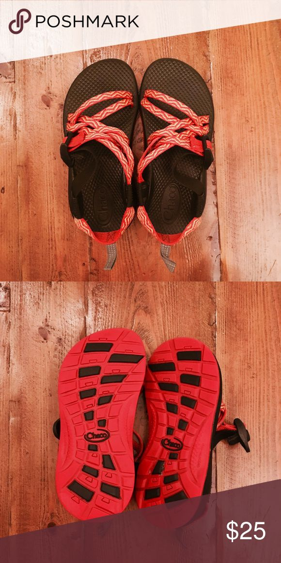 BRAND NEW- girls' chacos Girls' chacos that are in perfect condition Chaco Shoes Sandals & Flip Flops