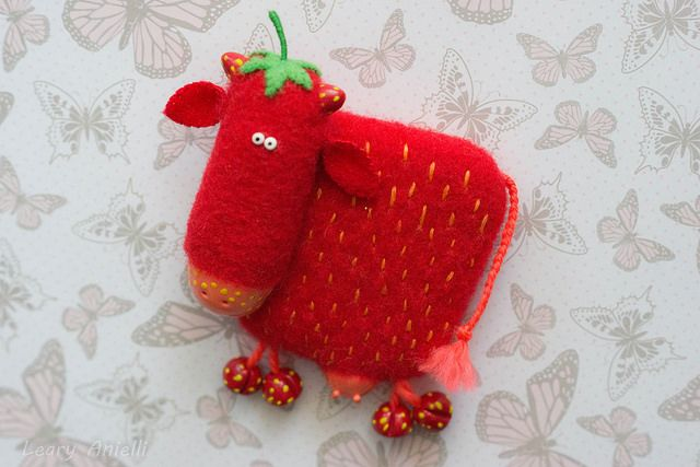 Корова Cow | by Leary Anielli (Xetyss) Валяный из шерсти магнит на холодильник. Magnet.