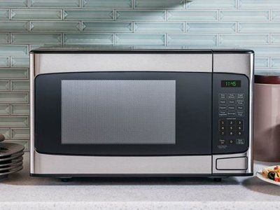 How to choose best compact microwave oven? The leading microwave ovens in our review are the RCA RMW1414, the Gold Award winner; the Samsung MG14H3020, the Silver Award winner; and the GE JES1145SHSS, the Bronze Award winner. Here's more on choosing a compact microwave to satisfy your requirements, together with …