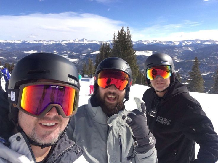 «Когда группа даёт тебе день отдыха после великолепного шоу в Денвере, Колорадо, им надо воспользоваться! Горнолыжный курорт Брекенридж, Колорадо»