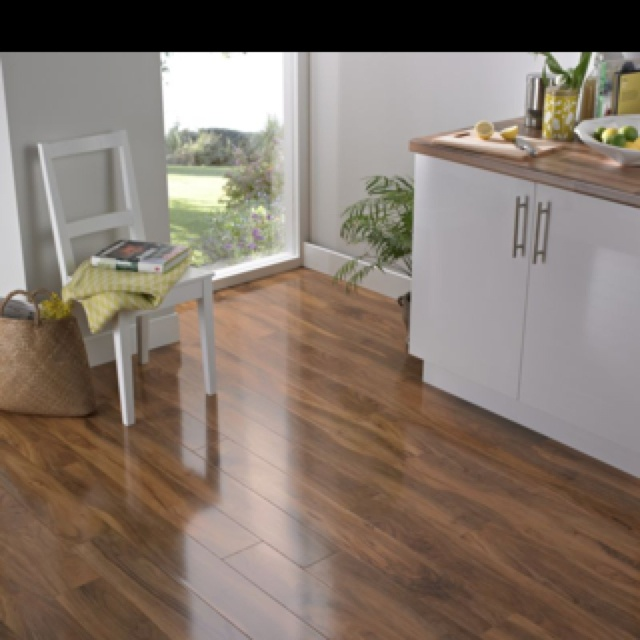 Walnut Flooring a la B&Q!