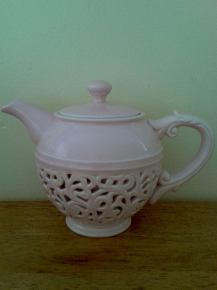 Casa Domani - Chantilly Teapot from market.