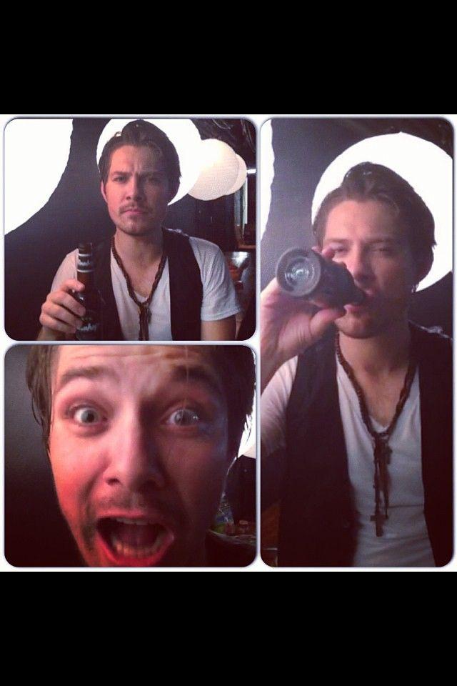 Taylor Hanson.... Hot even when Drunk!