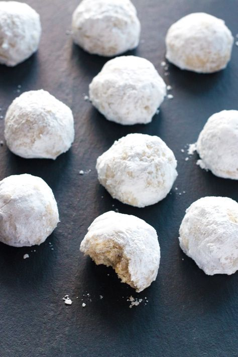 These Gluten-Free Russian Tea Cookies taste just like the classic! A perfect gluten-free Christmas cookie.