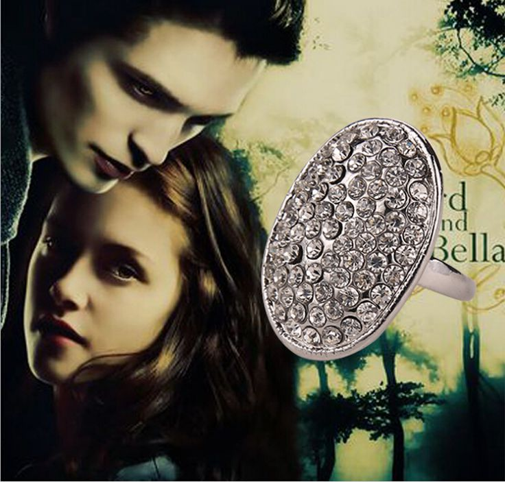 Bella's engagement ring - eclipse