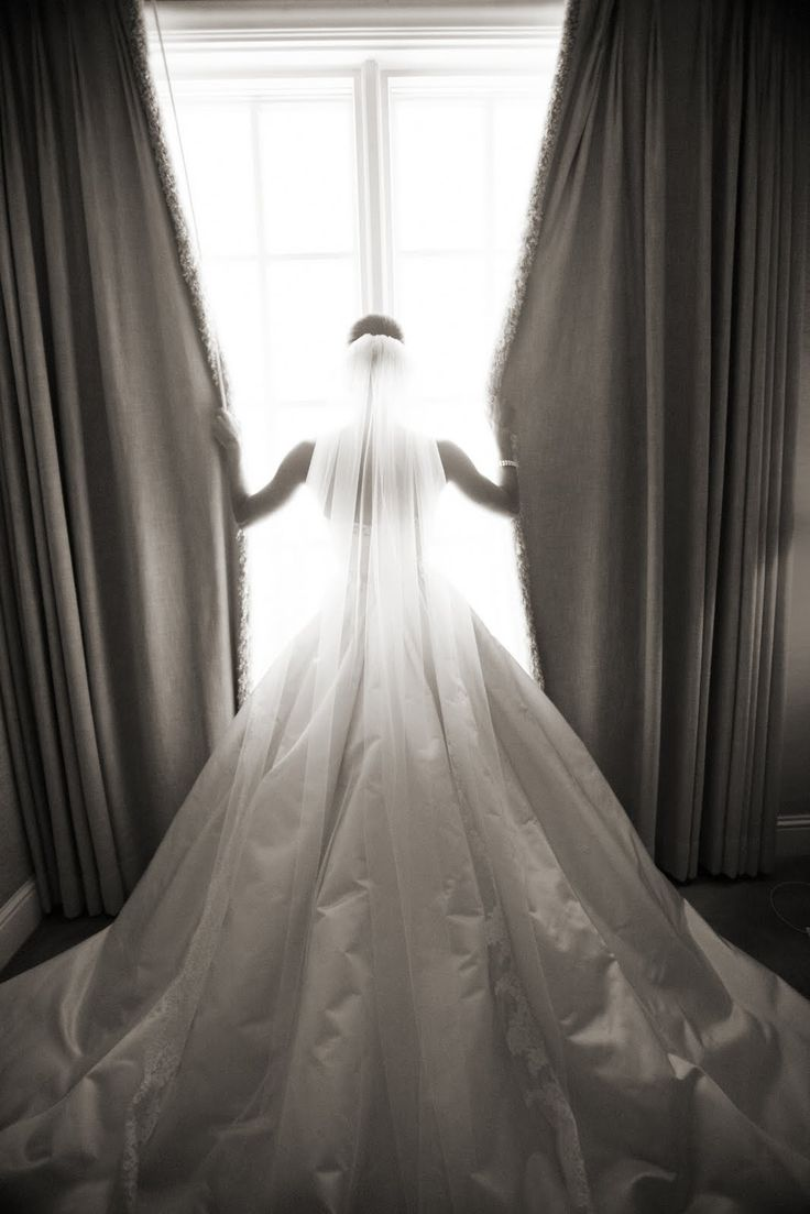 Daily Cup of Couture: Wedding Wednesday: THE Dress