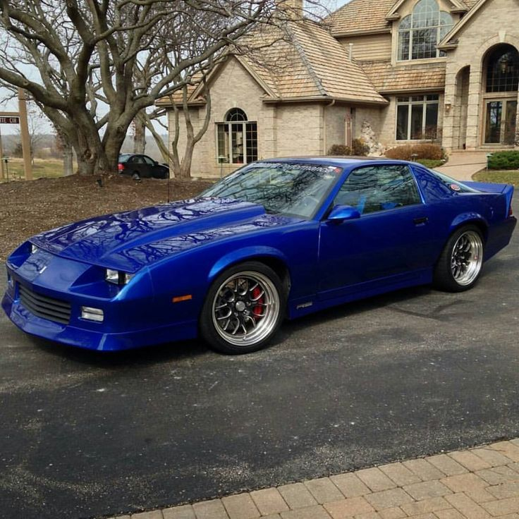 jewstina sweet 3rd gen camaro under the hood is a 355 sbc and it sits on schwartzperf. Black Bedroom Furniture Sets. Home Design Ideas