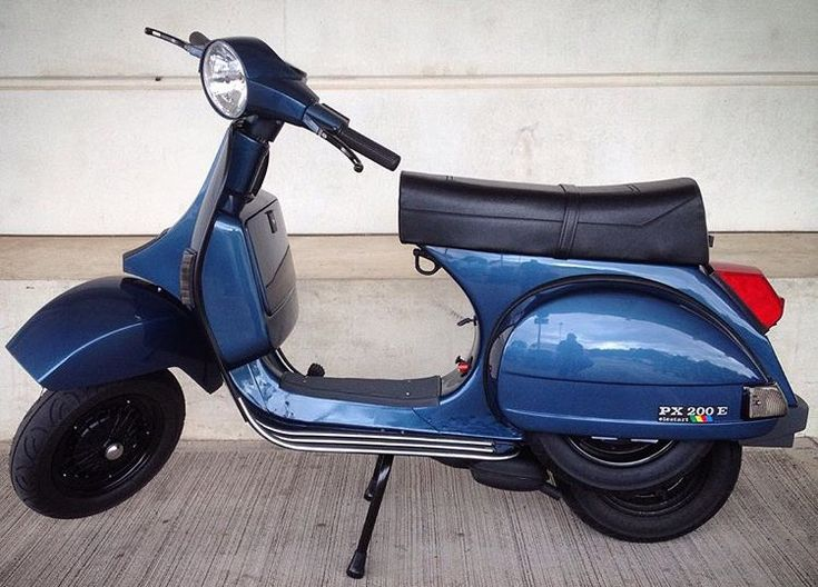 Blaue Vespa PX200E (Baujahr 1997) im Originallack Dakota Blue 224