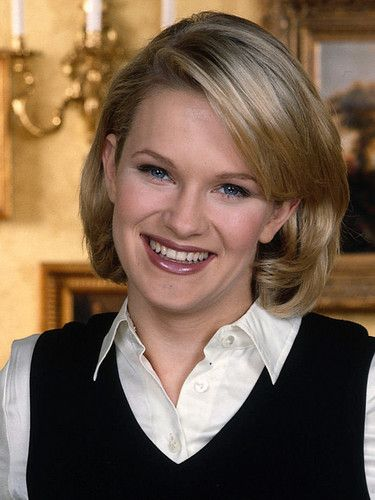 Maggie played by Nicholle Tom - the-nanny Photo