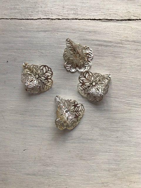 Filigraan beadcap (kralenkapje) zilverkleurig door BeautifullSieraden op Etsy