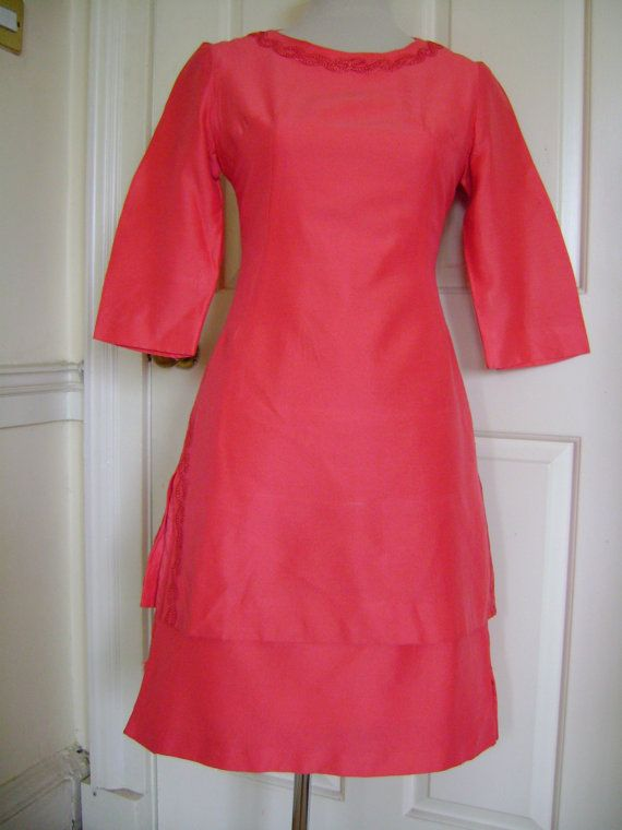 Late 50s/early 60s vintage wiggle dress in coral. £65