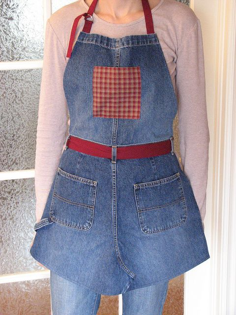 Blue Jeans Apron by Renee63, via Flickr  --  I like the adjustable tie at the neck of this apron.....