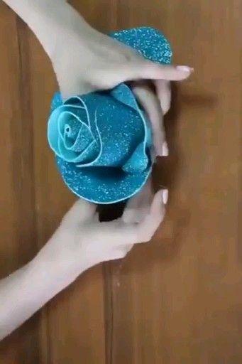 Wie man aus einem Satinband eine Rose macht. Wie mache …