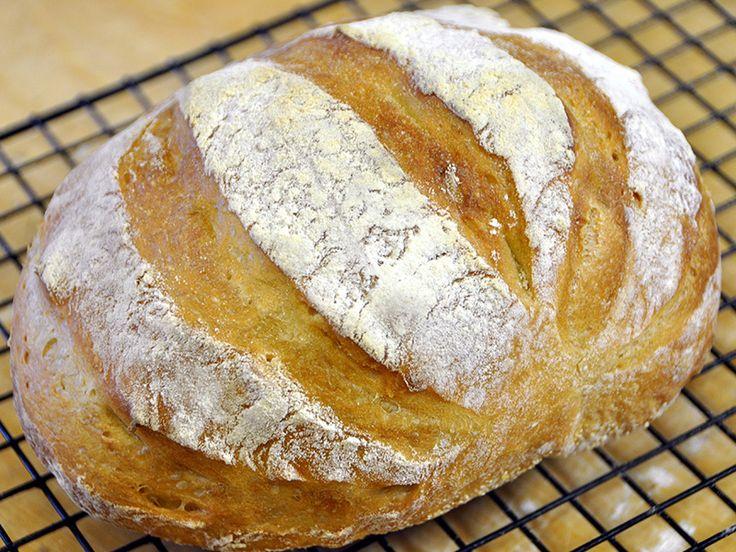 La strepitosa Ricetta del Pane in 5 Minuti al giorno. Un pane casereccio buonissimo, semplicissimo che sembra quello comprato nel panificio sotto casa
