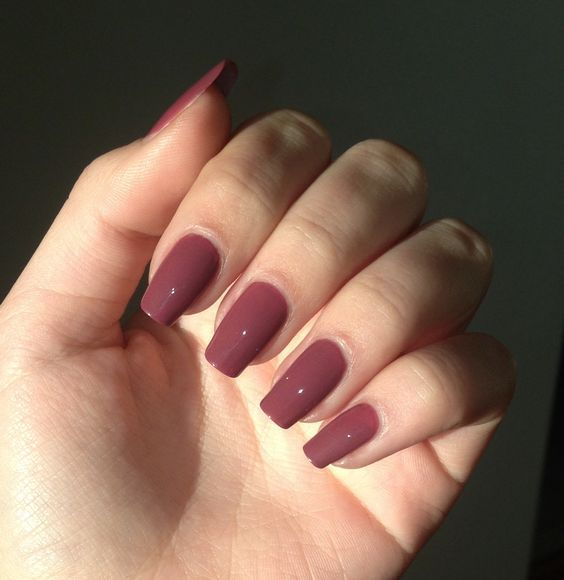 Squoval square shape long nail violet pink bordeau kiko nail polish natural nails nail art nude. Are you looking for Short square acrylic nail colors design for this autumn? See our collection full of cute Short square acrylic nail colors design ideas and get inspired!