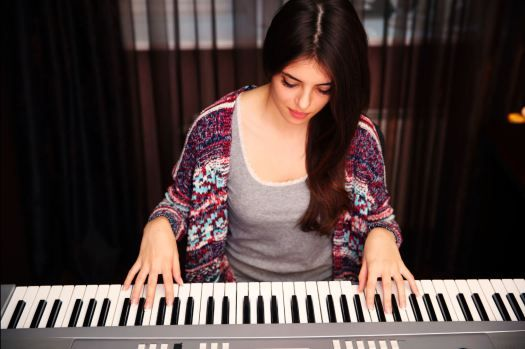 How to play piano chords in different ways | Good Health is Above Wealth