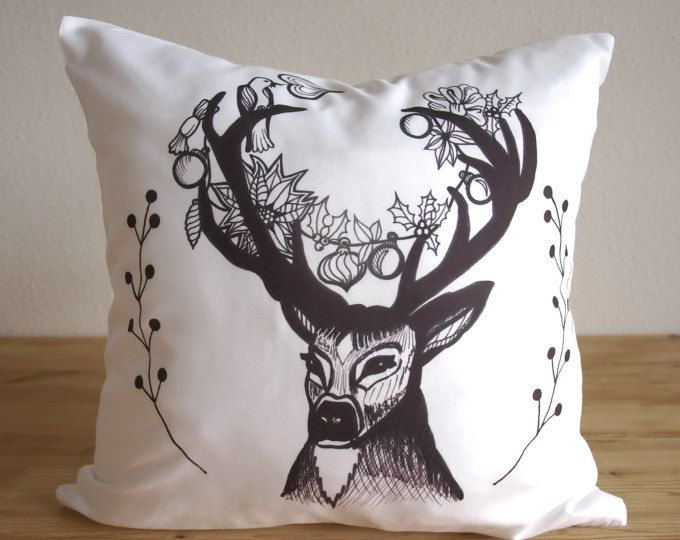 Reindeer Pillow - Decoration Throw Pillow - Home Décor - Deer Pillow Cover, Deer Design 16x16