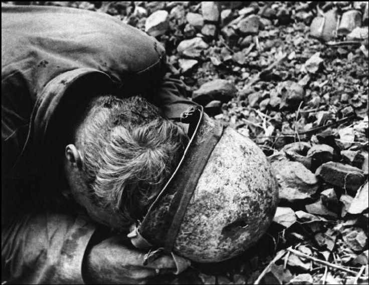 WORLD WAR II. The Pacific Campaign. April 1945. The Battle of Okinawa (Japanese island). US Marine.