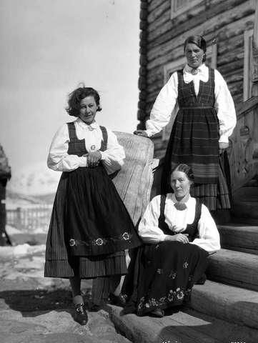 Galleri NOR; Spiterstulen Vågådragte 1933 Lom