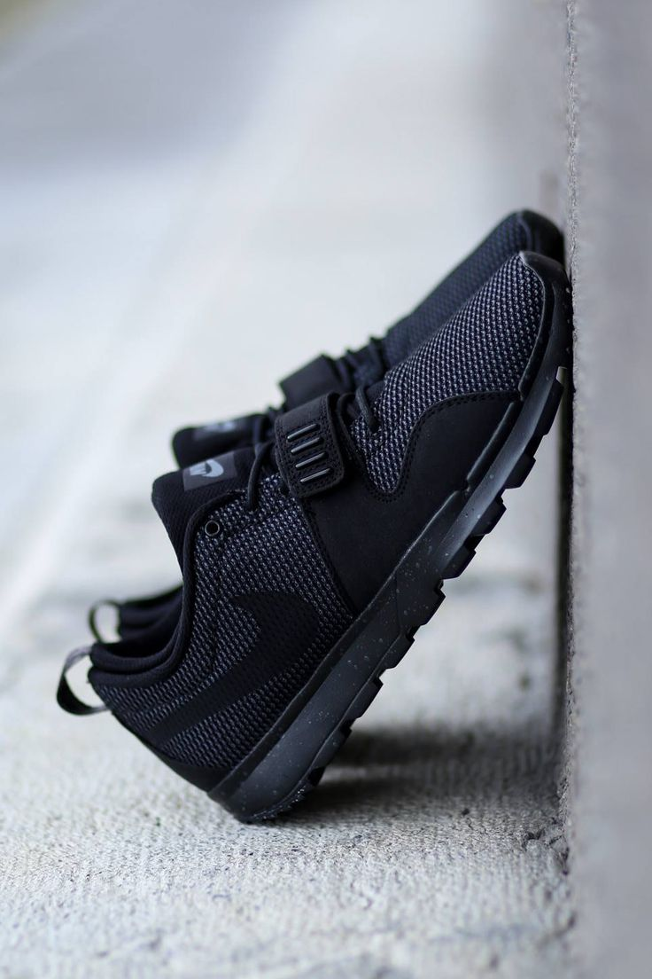 Nike Black/Black 'Trainerendors'
