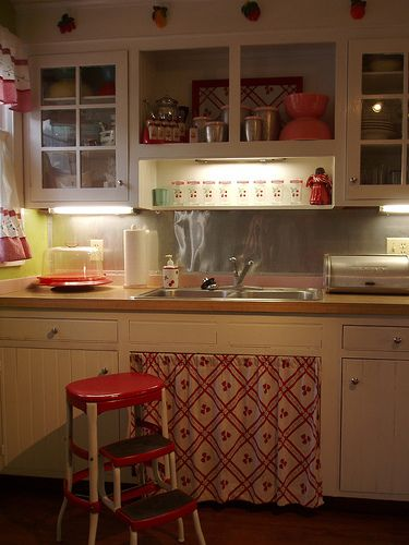 Open cabinets, curtains and mini-track lighting. #retro kitchen