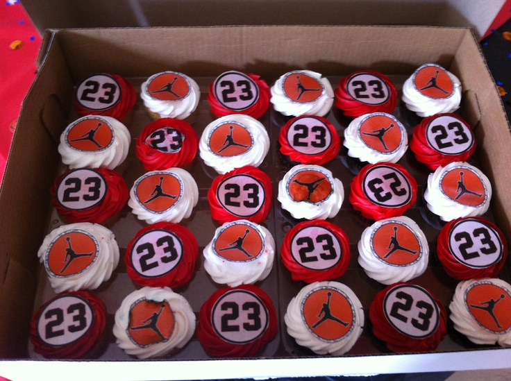 Best 25+ Michael jordan cake ideas on Pinterest Jordan ...