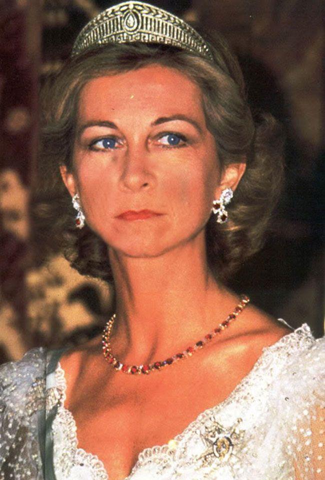 Resultado de imagen para joyas de la reina sofia