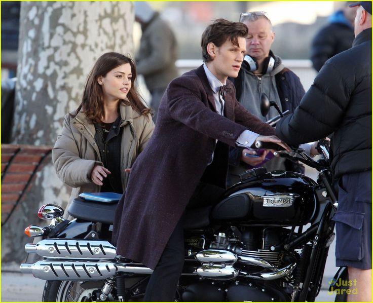 dr who rides a scrambler !!!!! - triumph forum: triumph rat
