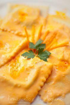 Ravioli con crema di zucca e zafferano al profumo d'arancia