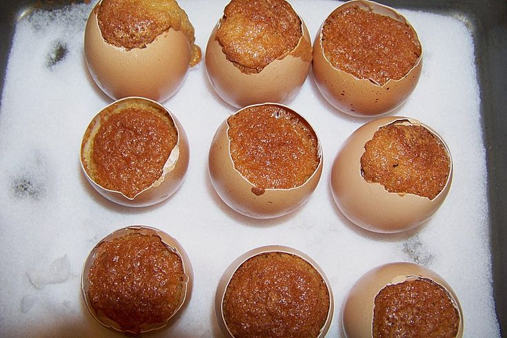 """""""Cakes in eggshell"""" - But it looked so cute on that food blog!"""
