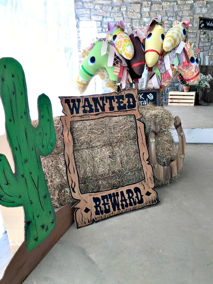 Paisley's 4th Cowgirl Party-Stick Horse Party favors  #birthday #birthdayparty #cowgirl #western #southwest #rodeo #burlap #fringe #cactus #party #cake #birthdaycake  http://farmgirlblogs.com/paisleys-4th-cowgirl-party/