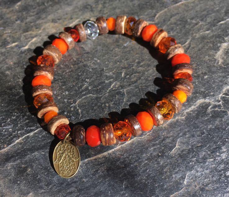 Ein persönlicher Favorit aus meinem Etsy-Shop https://www.etsy.com/de/listing/275588398/armband-in-orange-kokosnussholz