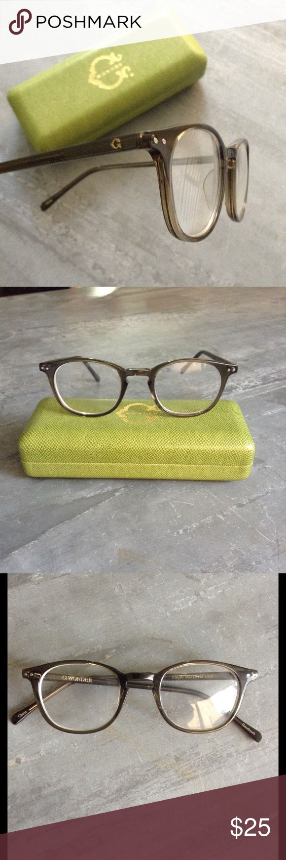 C Wonder non prescription glasses Really cute C Wonder non prescription glasses.  Really cute on and look totally natural and real.  Great for that fashion look or for a custom! They are in great condition, only worn 7-10 times and come with the original case! C Wonder Accessories Glasses