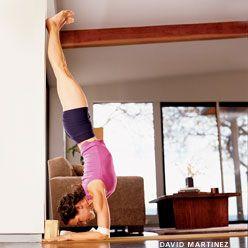 Mrs. Stilletto: 365 - Pincha yoga stand