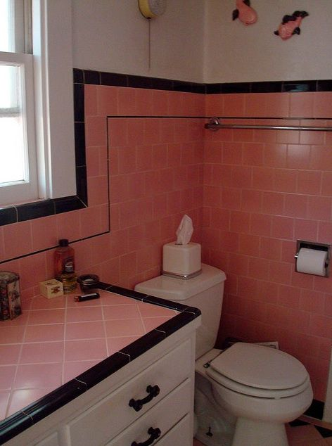 Pink and black 1950 39 s vintage bathroom with white paint for Black and white bathroom paper