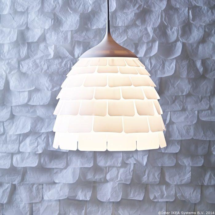 Toamna înfloresc serile calde petrecute acasă. Lustra KVARTÄR le dă o lumină blândă.                                                                     www.IKEA.ro/lustra_KVARTAR