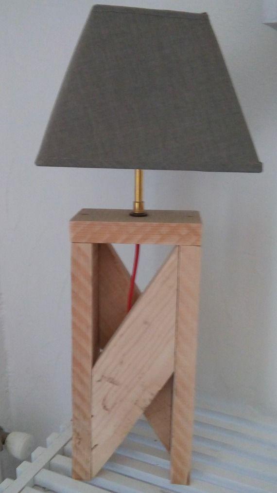 Fabriquée Look Design Bois Du Avec Lampe Palettelampbois Au De Une sQCxBodthr