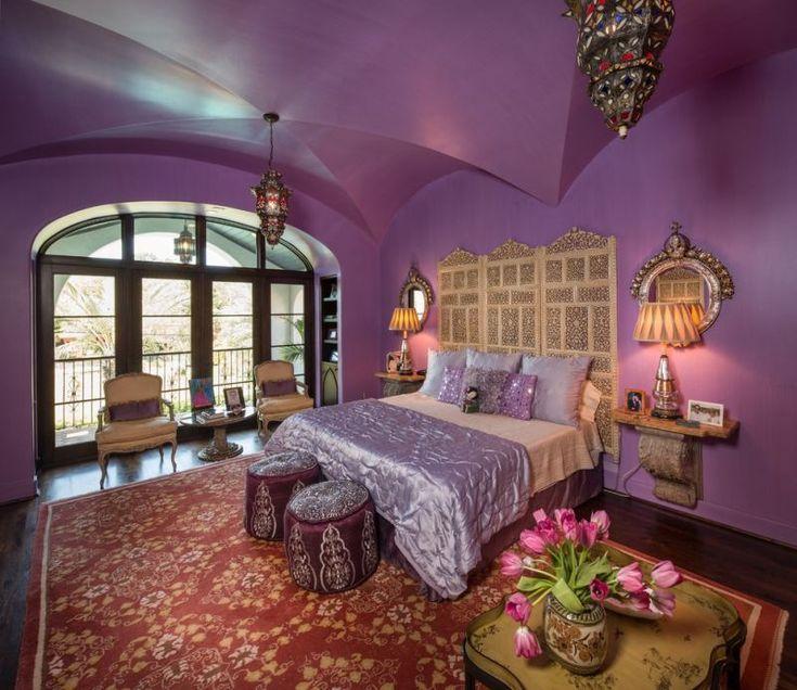 orientalisches schlafzimmer mit laternen und kilim