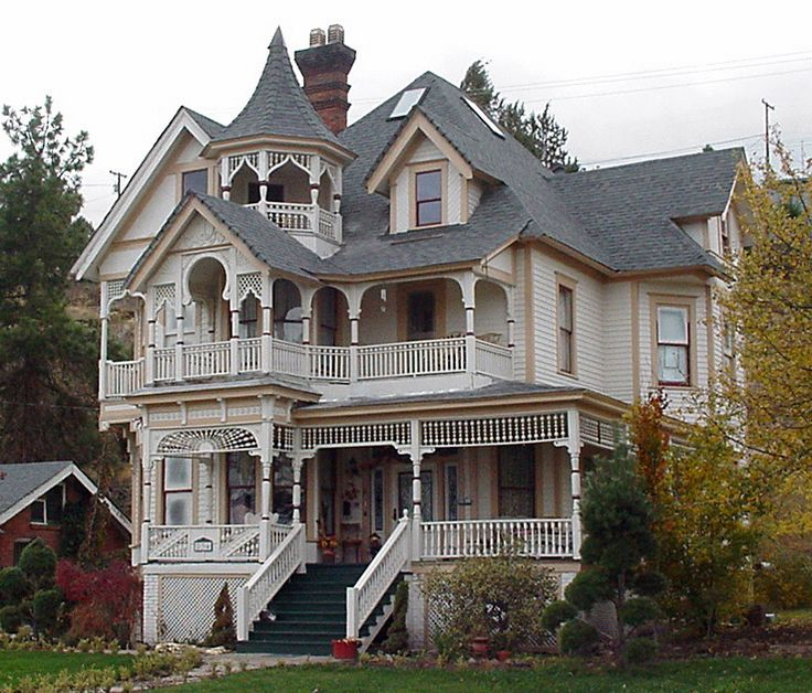 Caillouette Victorian House Klamath Falls OR Back In The Mid This Place Was For Sale I Sue To See It Every Time Went Over