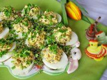Jaja faszerowane pieczarkami i prażonym słonecznikiem