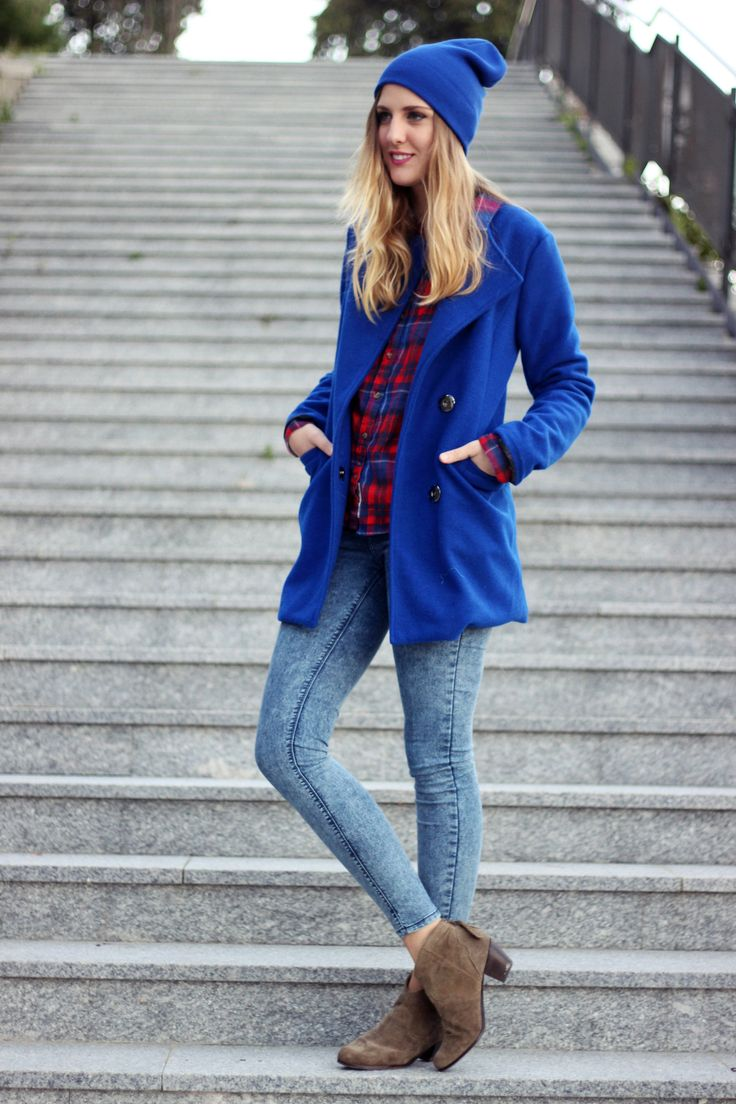Shop this look for $115:  http://lookastic.com/women/looks/coat-and-button-down-shirt-and-skinny-jeans-and-ankle-boots-and-beanie/1115  — Blue Coat  — Red Plaid Button Down Shirt  — Blue Skinny Jeans  — Brown Suede Ankle Boots  — Blue Beanie
