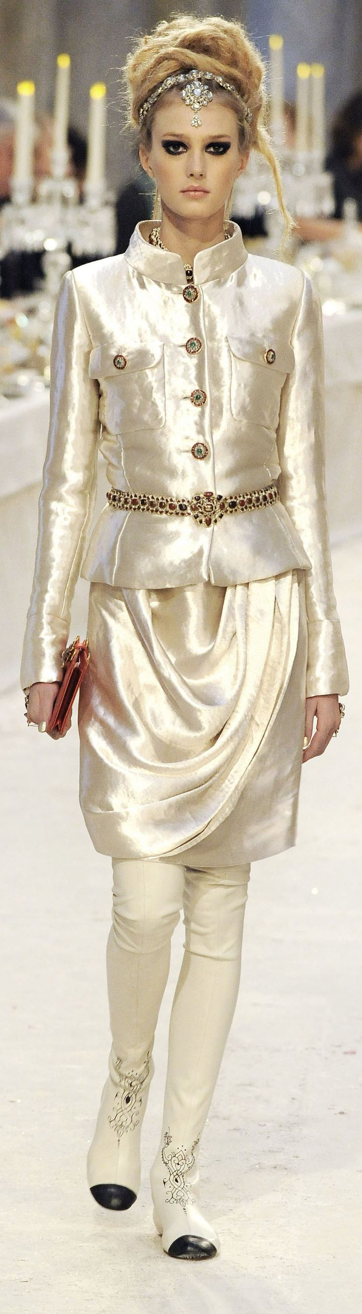 ✪ Gorgeous India Influence in Chanel's Paris-Bombay Pre-Fall 2012 2013 collection ~